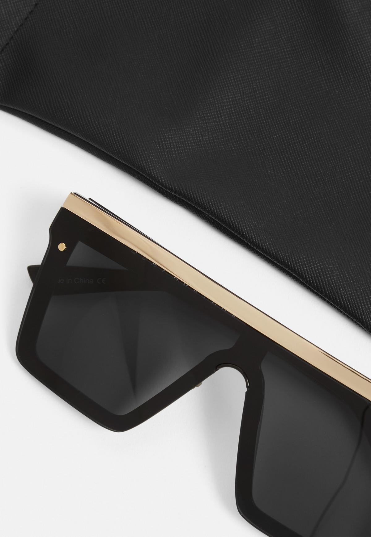 Quay Australia Czarne okulary przeciwsłoneczne Hindsight