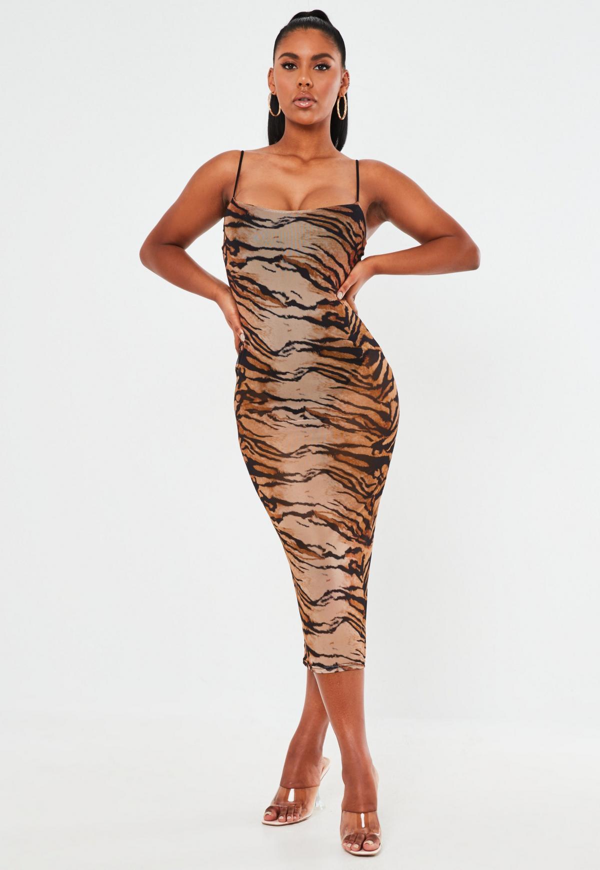 mesh-midaxi-kleid mit leopardenmuster in braun | missguided
