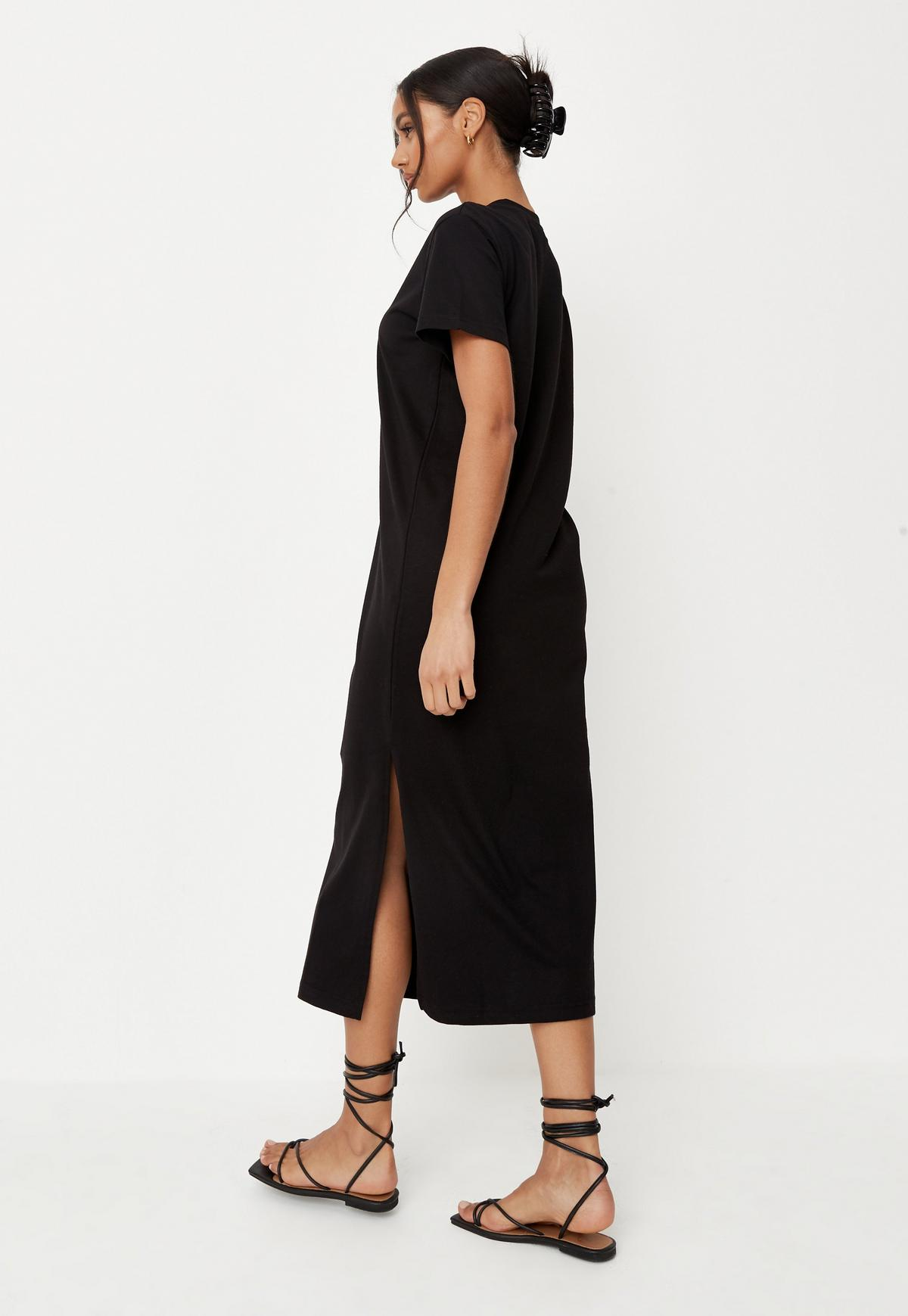 Basic Midi T Shirtkleid mit Schlitz in Schwarz