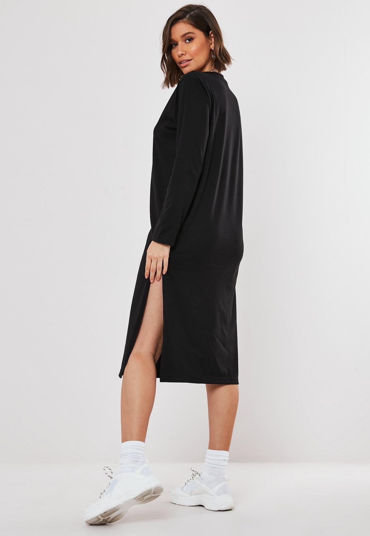 Langärmeliges Basic-T-Shirt-Kleid in Midi-Länge in Schwarz ...