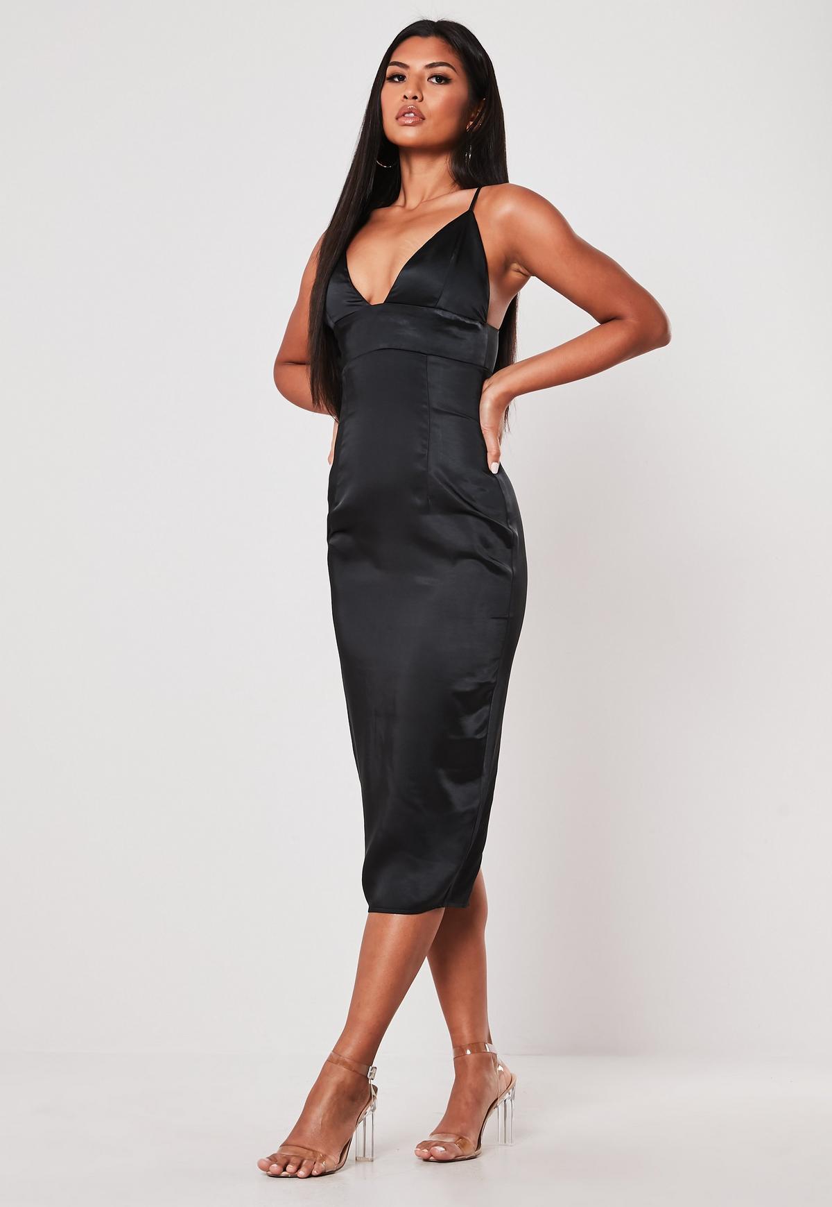 Czarna satynowa sukienka midi