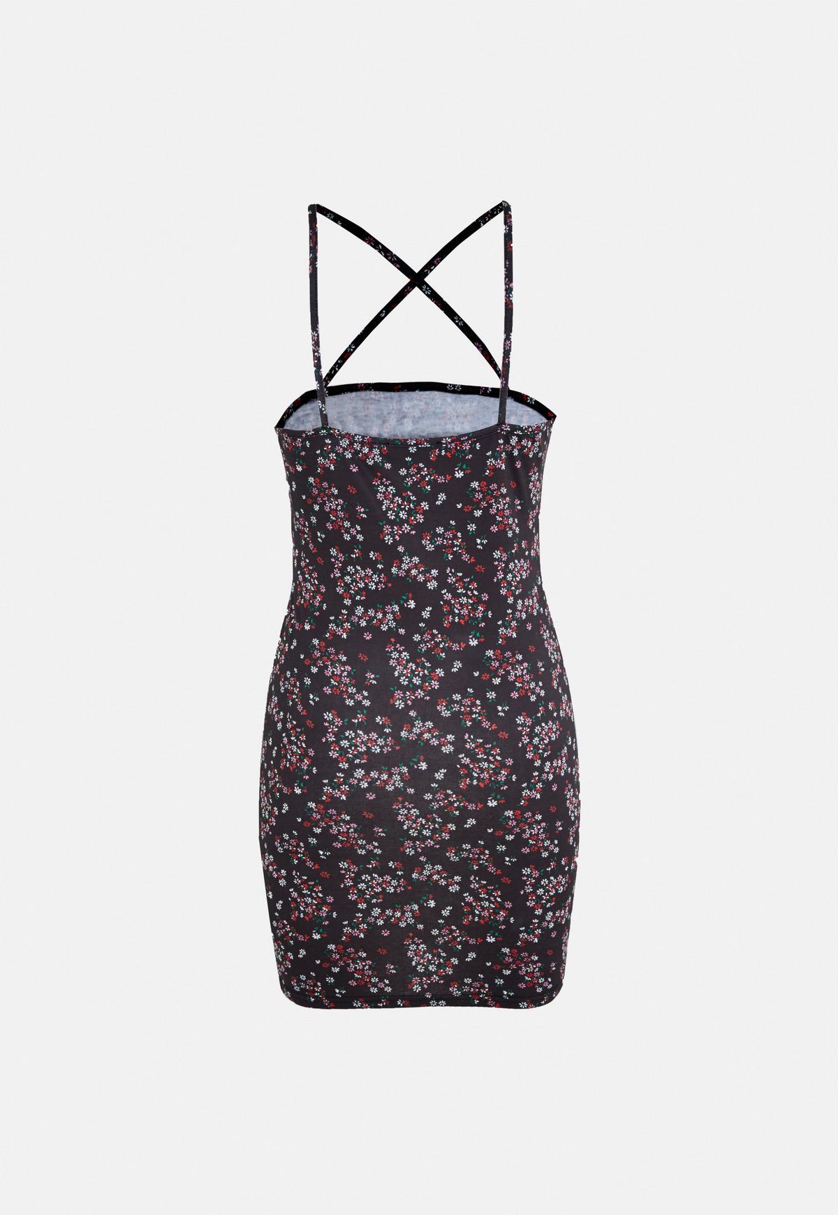 Czarna dżersejowa sukienka mini w kwiatki z długimi rękawami