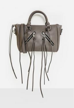 Graue Umhängetasche mit Fransen und Zipper-Details
