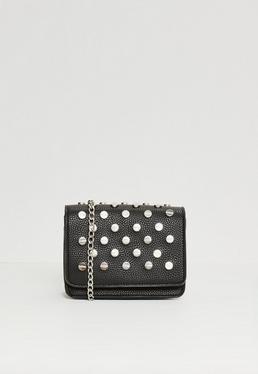 Czarna torebka na ramię z ćwiekami