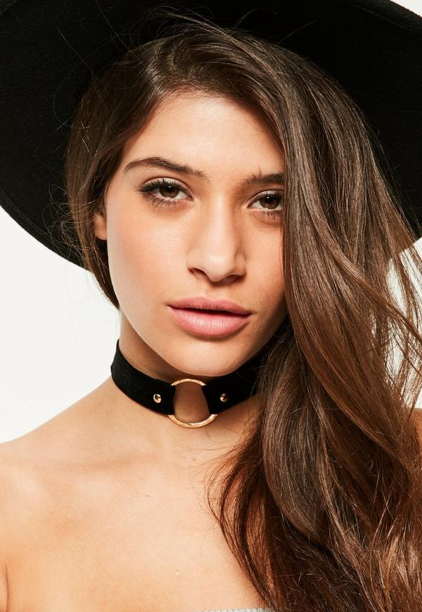 Black Contrast Circle Trim Choker Necklace