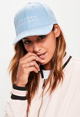 Niebieska zamszowa czapka z daszkiem