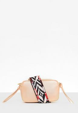 Nude Handtasche mit Kontrastgurt