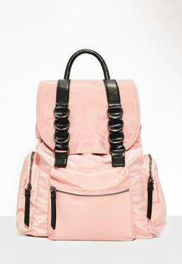 Mochila de nailon con tres bolsillos en rosa