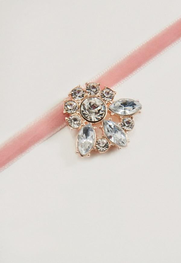 collier ras de cou rose en velours pendentif diamant missguided. Black Bedroom Furniture Sets. Home Design Ideas
