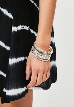 Zestaw bransoletek w kolorze srebra