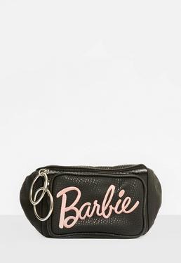 Barbie x Missguided Riñonera con bordados de cuero sintético en negro