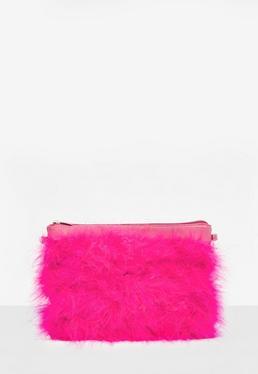 Różowa torebka kopertówka z piór