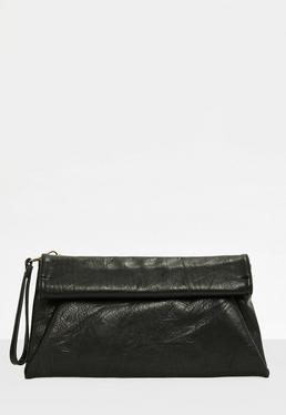 Clutch de cuero sintético en negro