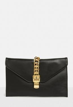 Czarna skórzana torebka kopertówka