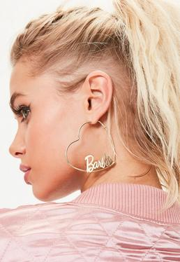 Barbie x Missguided Pendientes de aro corazón con logo Barbie en oro