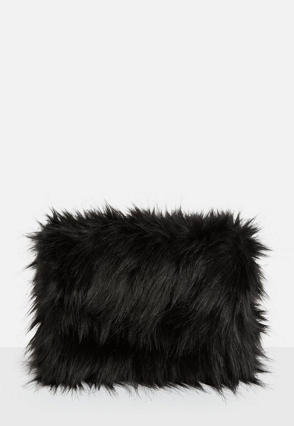 pochette noire oversize en fausse fourrure missguided. Black Bedroom Furniture Sets. Home Design Ideas