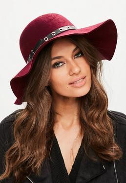Burgundowy kapelusz z paskiem