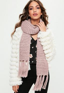 Bufanda de punto con flecos en rosa