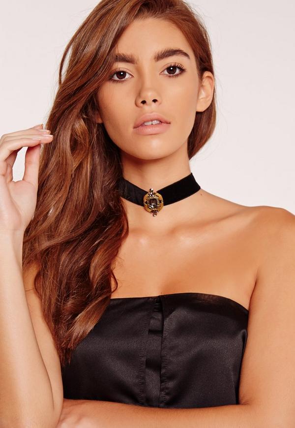 Antique Pendant Choker Necklace Black