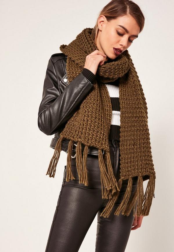 Chunky Knit Tassel Scarf Khaki