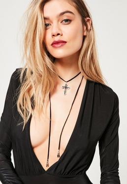 Collier ras du cou noir pendentif croix