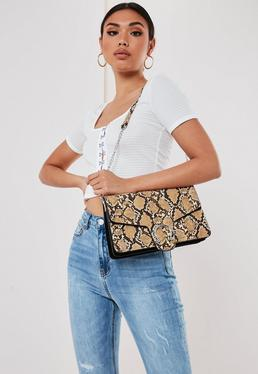 Коричневая сумка через плечо с эффектом змеи