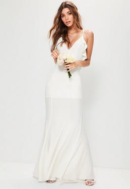 Weißes Braut-Trägerkleid mit Rüschen an den Seiten und Netzstoffeinsatz