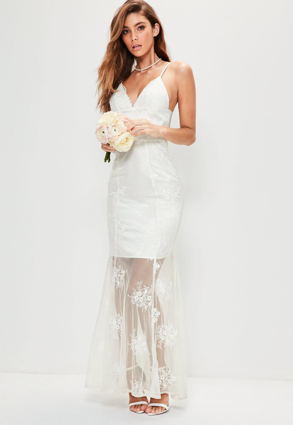 Träger-Maxi-Brautkleid aus Spitze in Weiß | Missguided