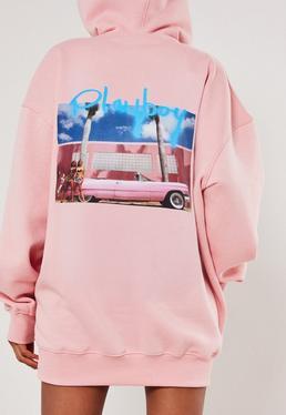 Playboy x Missguided Vestido sudadera con coche graffiti en rosa