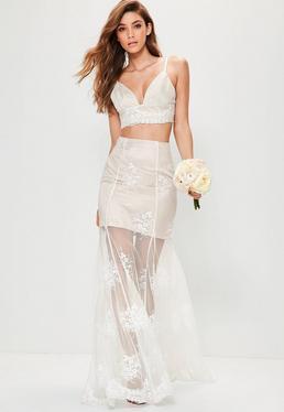 Falda larga para novia de encaje en nude