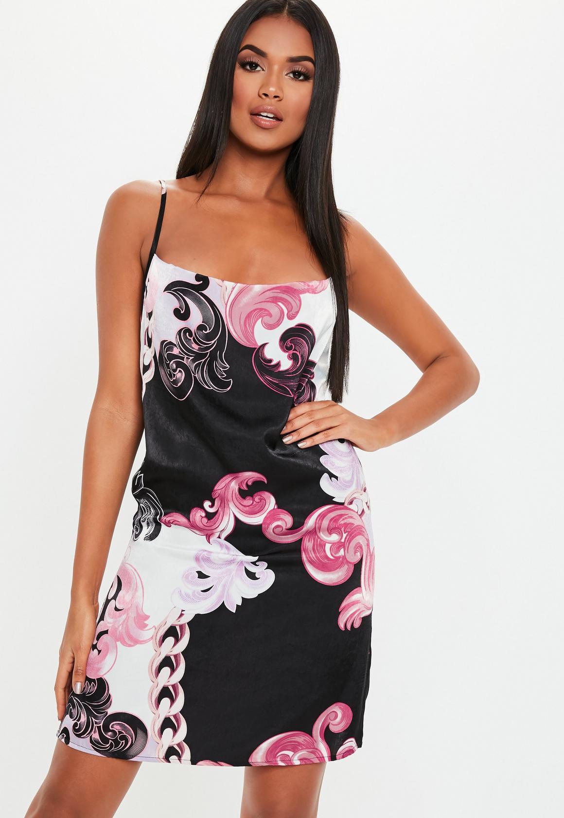 Missguided - robe courte e en satin avec col bénitier et imprimé floral - 1