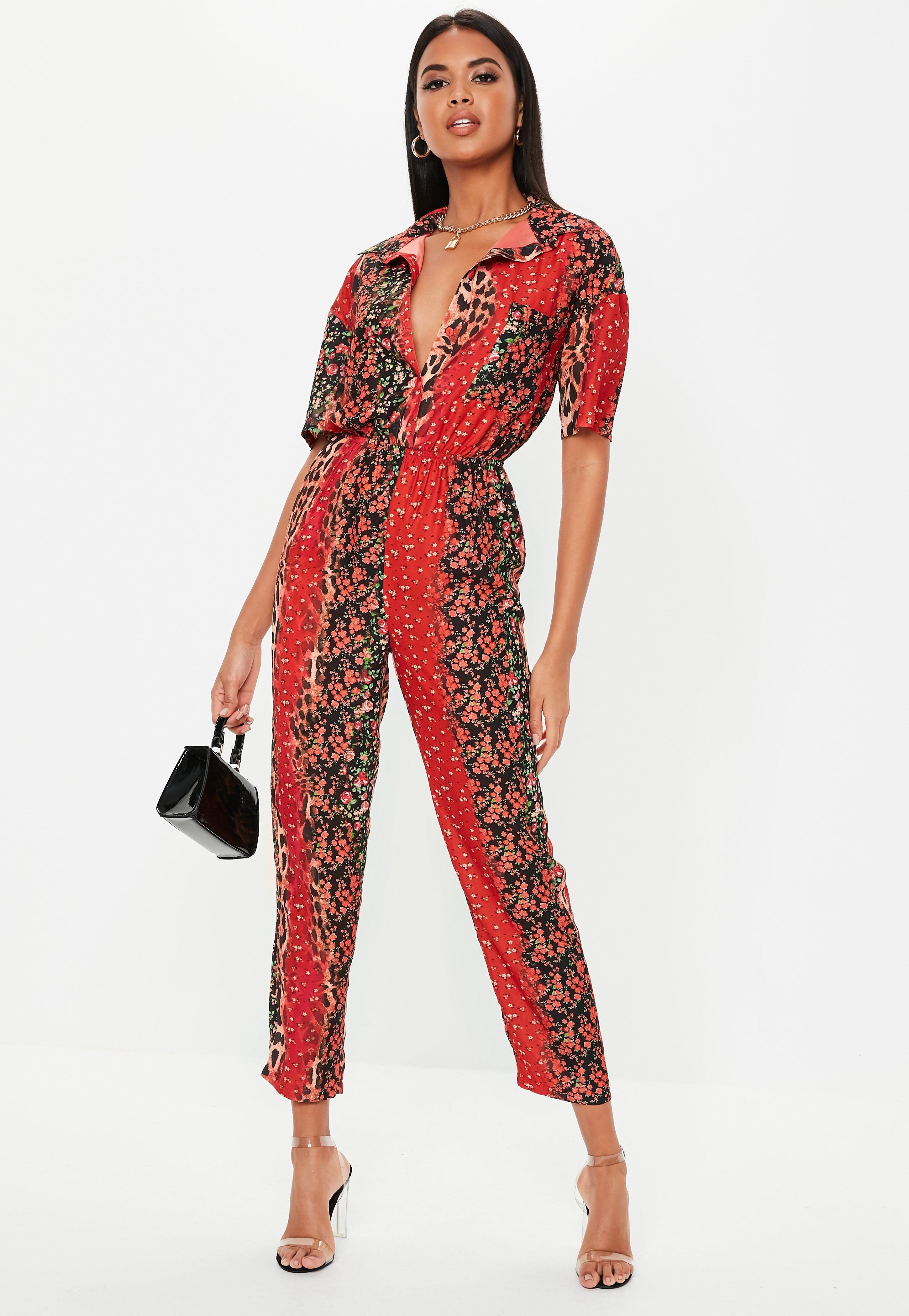 c182ca0d1f4b17 Jumpsuit mit Animal Print und Blumenmuster in Rot   Missguided