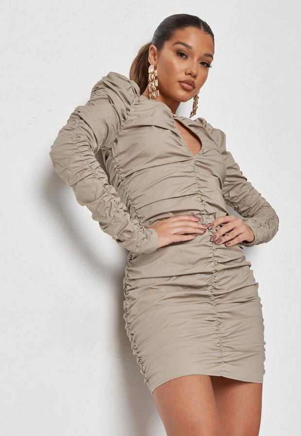 Artikel klicken und genauer betrachten! - Gerafftes Popeline-Minikleid in Braun   im Online Shop kaufen