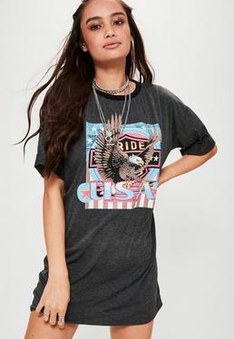 Vestido camiseta con estampado rockero en gris