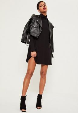 Czarna przewiewna sukienka z golfem z dżerseju z długimi rękawami