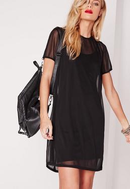 Robe T-shirt noire en tulle à manches courtes