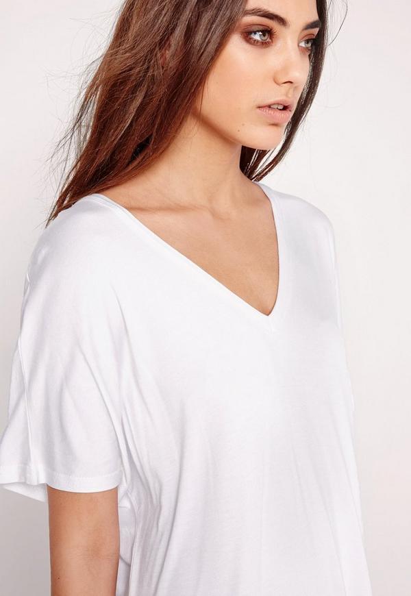 T shirt kleid mit v ausschnitt