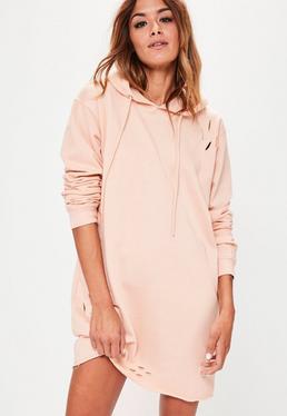Vestido estilo sudadera con capucha y detalles rasgados nude