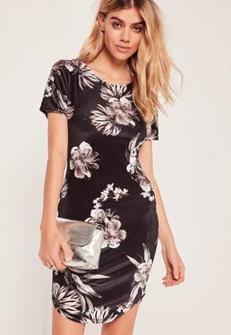 Robe moulante noire fleurie en velours