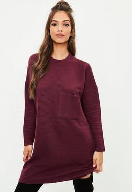 Burgundowa prążkowana sukienka swetrowa