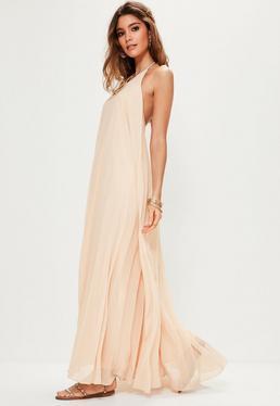 Różowa plisowana sukienka maxi wiązana na szyi