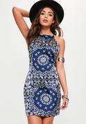 Granatowa dopasowana sukienka w orientalny wzór