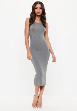 Szara dopasowana sukienka midi na ramiączkach