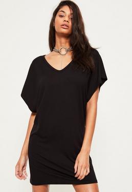 Vestido Camiseta Oversized con Cuello de V en Negro