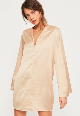 Oversize Satin Hemdkleid mit weiten Ärmeln und V-Ausschnitt in Nude