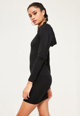 Czarna dopasowana sukienka z dżerseju z kapturem