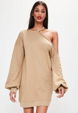 Einschultriges Pulloverkleid mit Ballonärmeln in hellbraunem Camel