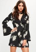 Blumenprint Minikleid mit Choker und Schnürseite in Schwarz