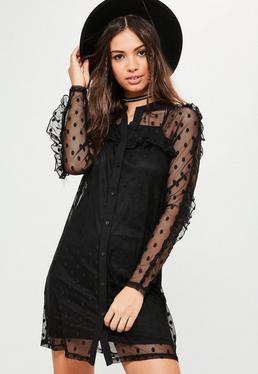 Czarna sukienka koszulowa w kropki z falbankami