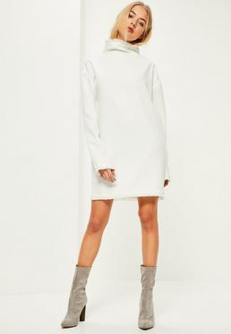 Robe oversize blanche bords effilochés